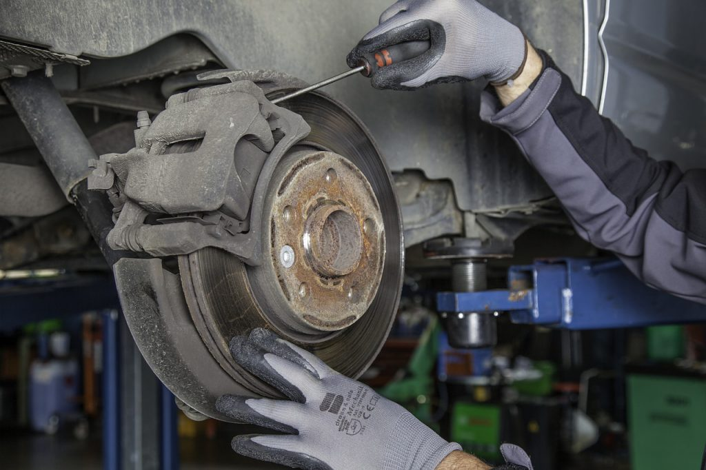 featured image thumbnail for post 7 Things to Look for When Choosing the Best Dallas Brake Repair Service Near You
