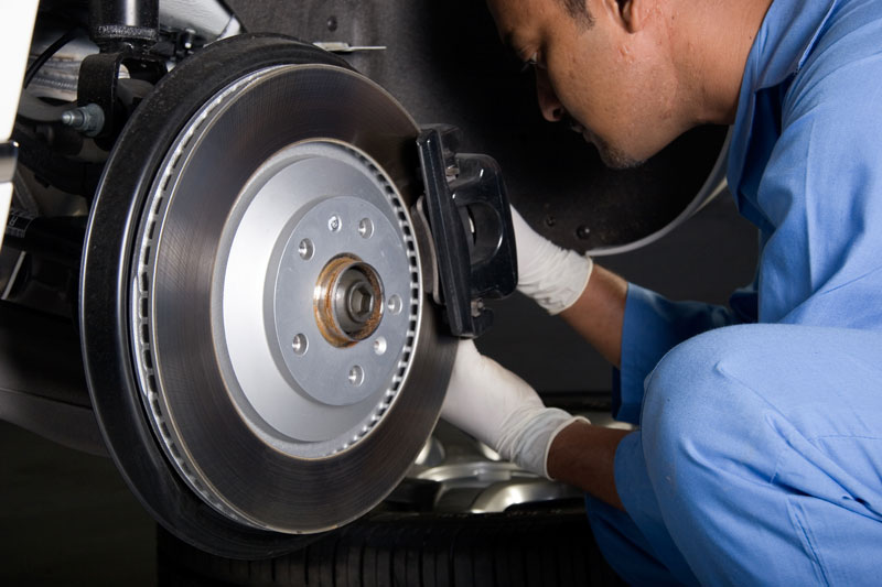 featured image thumbnail for post What Is Mobile Brake Repair & How Does It Work?